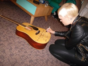Jessie J Signings